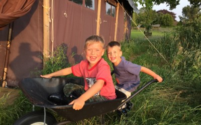 201. Get Growing: Gentleman Farmer's Family Goes Glamping