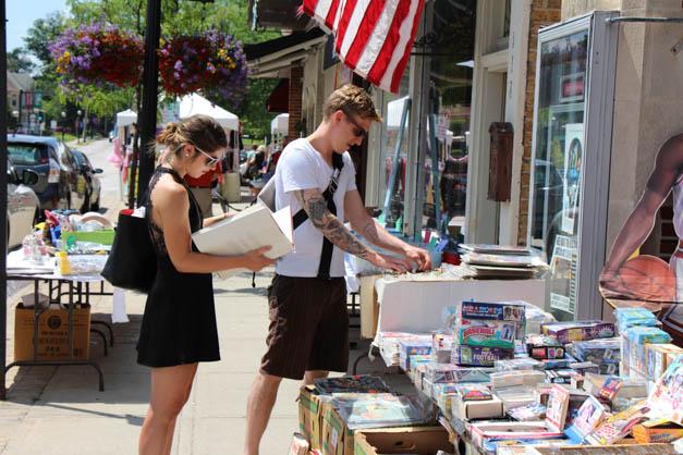Post - Sidewalk Sale Days 2015 - Photo by Gus Goetze-98