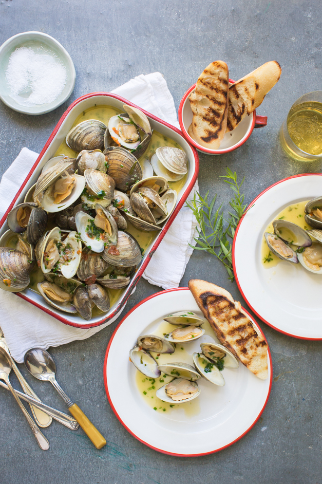 Clams_steamed_with_tarragon_Tableanddish-6274