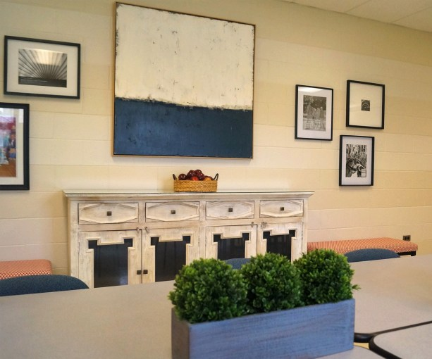 Post 1200 - Roslyn Road Teacher's Loung Reno - 11