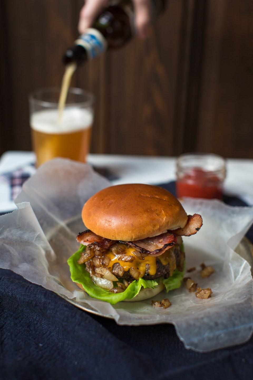 heinens_4pmpanic_Whiskey_burger-8796