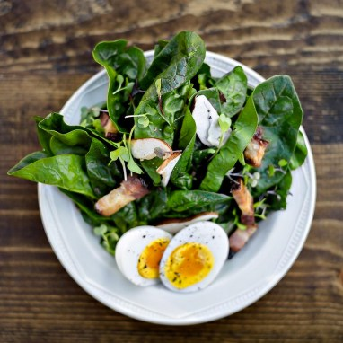 Farmhouse on North - Spinach Salad with Warm Bacon Vinaigrentte