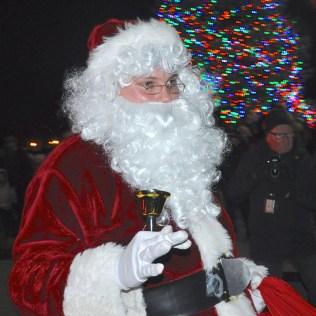 noondaily-santa-returns-to-barrington
