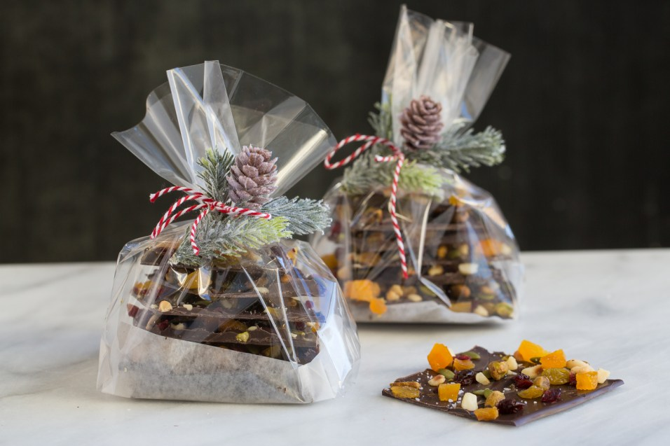 Heinens_chocolate_fruitcake_bark_tableanddish-3826