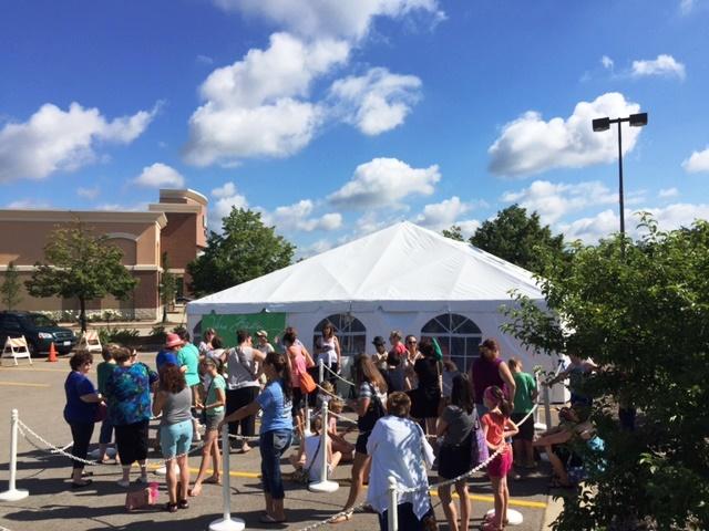 Deer Park Town Center Sidewalk Sales - Vera Tent
