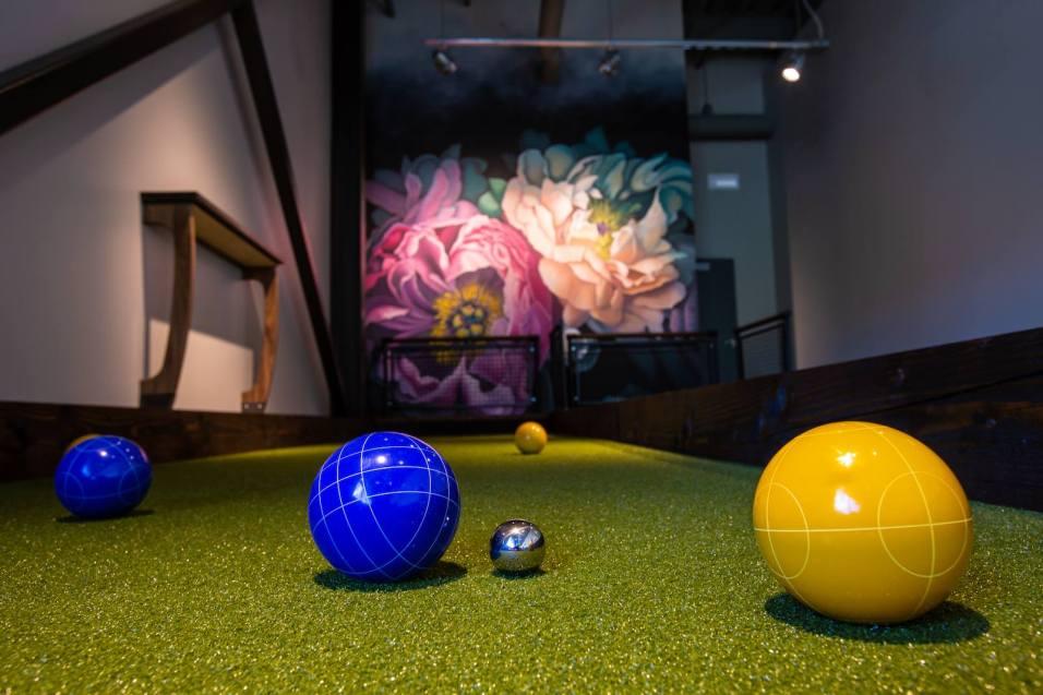 Pinstripes Bowling, Bocce & Bistro