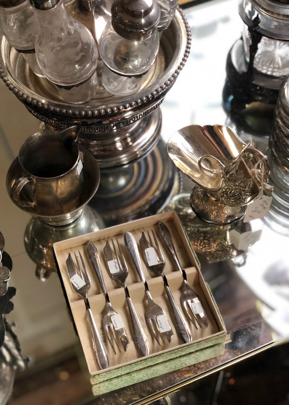 Paris Market Antiques - Silver - 18