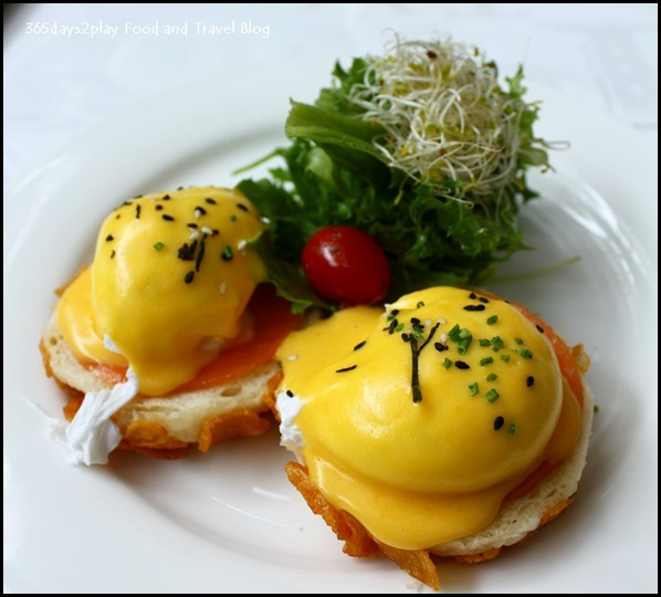 TWG - Eggs Benedict (Homemade toasted English muffins with 2 poached farmhouse eggs served with creamy hollandaise sauce and a choice of smoked salmon or turkey $19 (3)