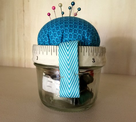 pin cushion mason jar gift
