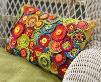 Free motion sewing pinwheel pillow