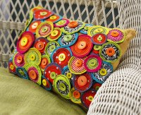 Free motion sewing pinwheel pillow - 365 Days of Crafts
