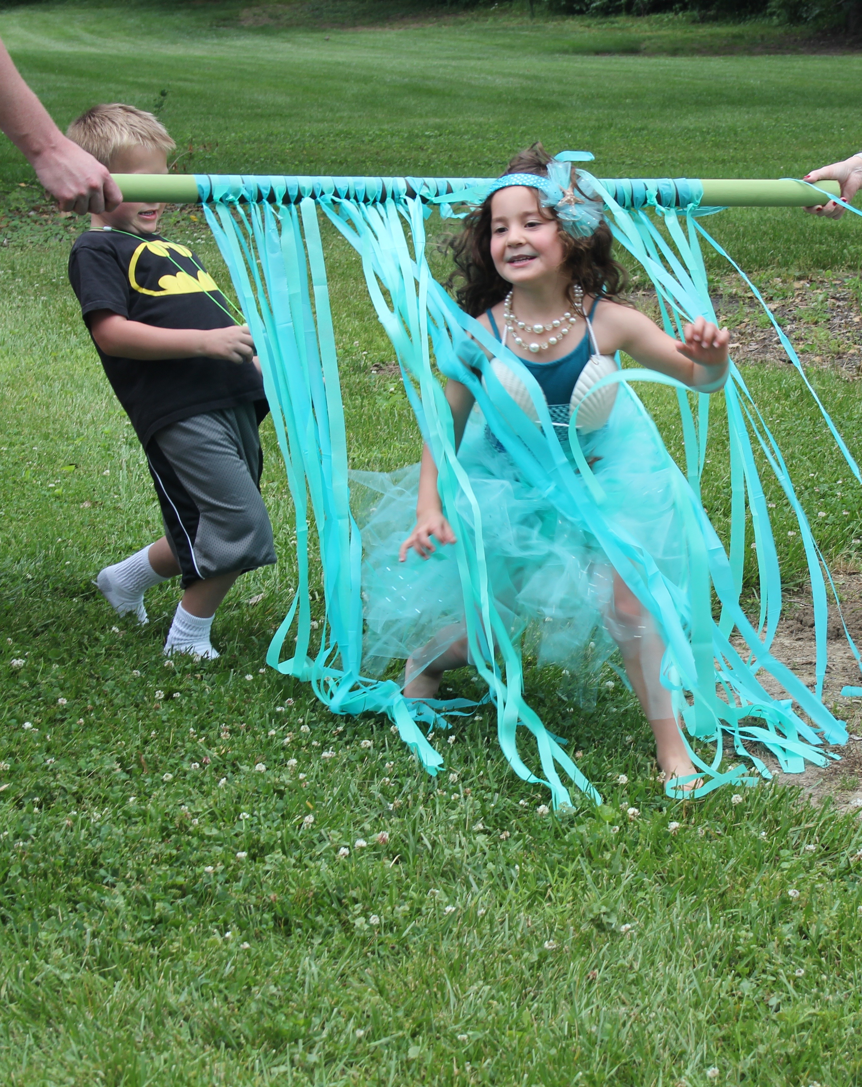 mermaid beach party game ideas you can make - 365 Days of Crafts
