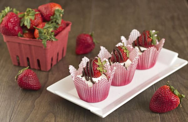 Chocolate Cupcakes with Chocolate Drizzled Strawberries | 365 Days of Easy Recipes