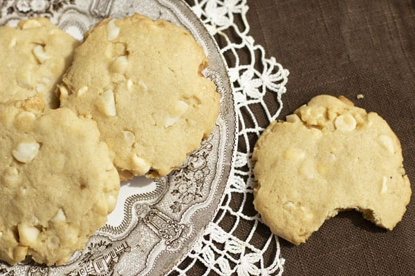 These White Chocolate Macadamia Nut Cookies are super fancy but still VERY easy to make. Give the gift of cookies to someone you love today   365 Days of Easy Recipes