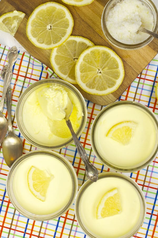 An easy no-bake lemon cheesecake mousse recipe | 365 Days of Easy Recipes