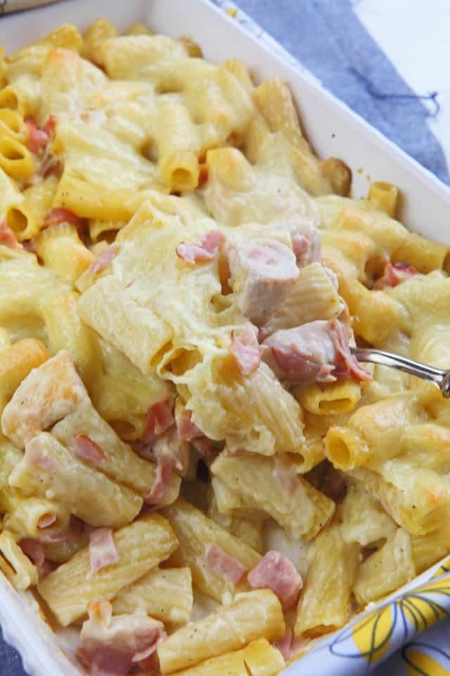 Chicken cordon bleu casserole - quick, easy and oh so delicious