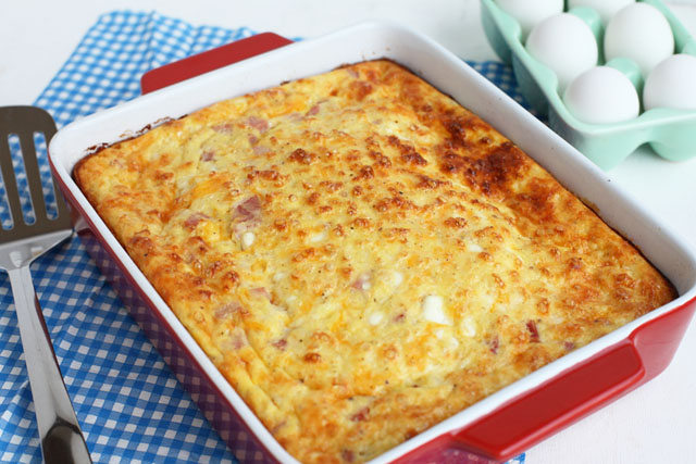 When you're looking for a fast and easy breakfast casserole to enjoy on the weekend, this Cheesy Baked Ham and Egg Breakfast Casserole has got you covered. Even if you are not feeding a large crowd, you'll want to add this to your meal plan this week so you can enjoy it all week long in lunches or at snack time. It also makes a delicious brunch recipe for Mother's Day.