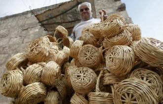 2015-04-20t152951z_01_lbn100_rtridsp_3_lebanon-basket-weavers-1024x656