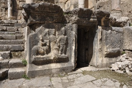 niha_great_temple_cella_relief1