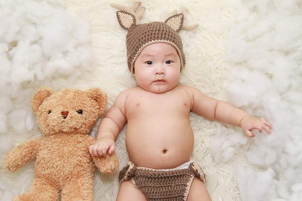 photograph of a chinese baby