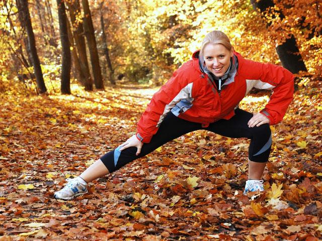 woman-autumn-running-stretch