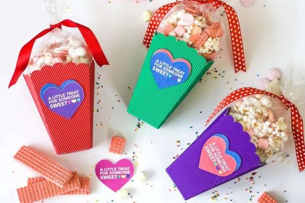 Valentine Popcorn Boxes and Printable Valentine Gift Tags