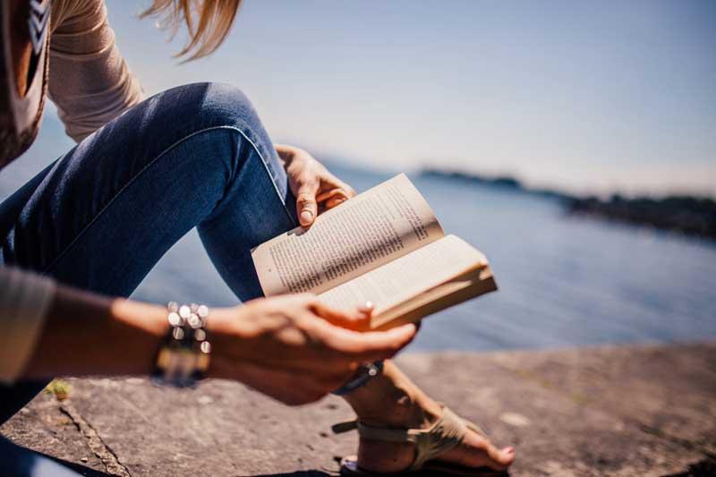 olvasás-nyugalom-365letszikra