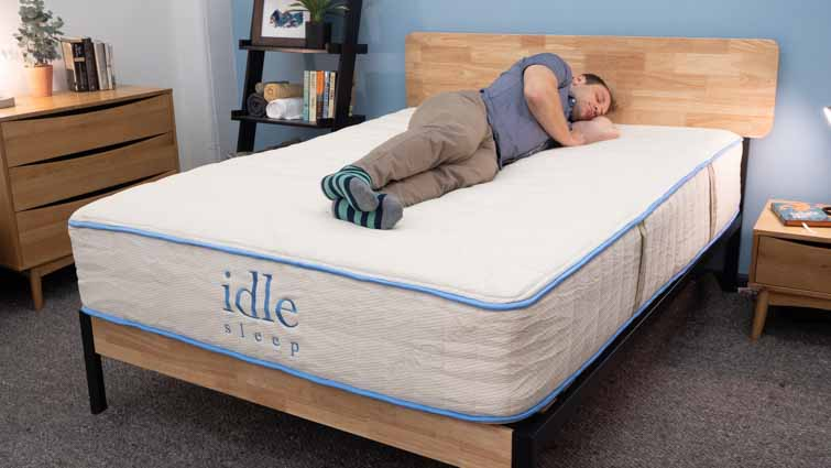 Idle Latex Mattress Review - Will This Flippable Bed Be Right for You?