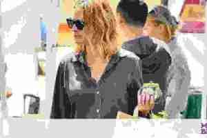Η Julia Roberts είναι μια από εμάς – Με σορτς ψωνίζει σε υπαίθρια αγορά