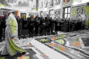 Notre Dame: Την ευγνωμοσύνη του προς τους γάλλους πυροσβέστες εξέφρασε ο Πάπας