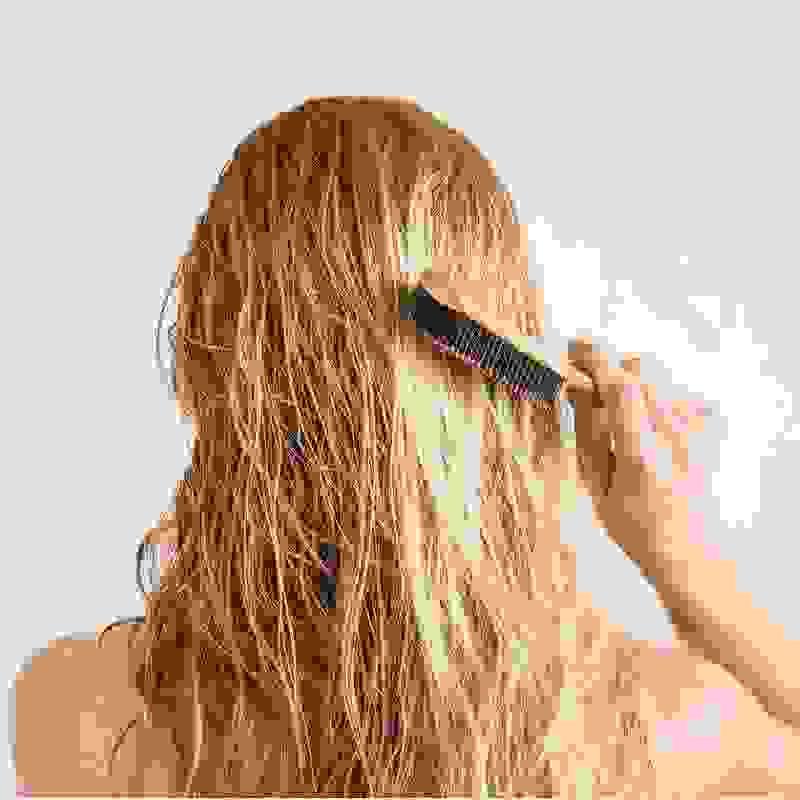 Γιατί χάνω μαλλιά; To περίεργο προειδοποιητικό σημάδι και οι τροφές για δυνατά μαλλιά - Shape.gr