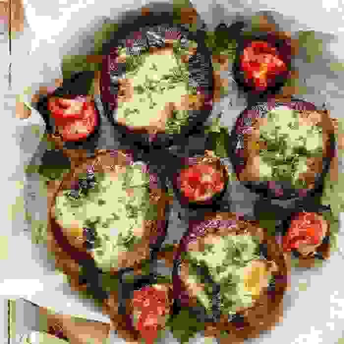 Ψητά μανιτάρια πορτομπέλο γεμιστά με τυρί - Shape.gr