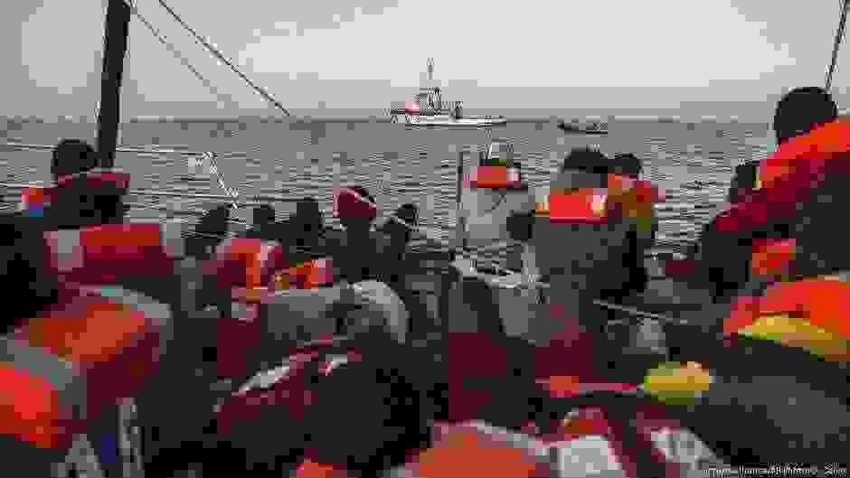 Η Ιταλία στηρίζει τις λιβυκές αρχές στο προσφυγικό | DW | 11.07.2019