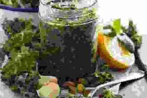 Πώς θα φτιάξεις σάλτσα pesto από kale - Shape.gr