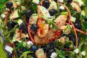 Χορταστική σαλάτα: Πώς θα χορτάσεις (αλήθεια λέμε!) με μία σαλάτα - Shape.gr