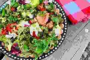 Πράσινη σαλάτα με αβοκάντο: Η εύκολη συνταγή από τη Δέσποινα Βανδή