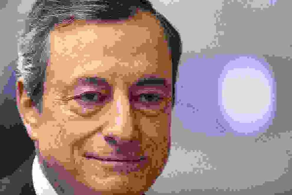 Κοκτέιλ με νέα ποσοτική χαλάρωση και μείωση επιτοκίου αποφάσισε η ΕΚΤ