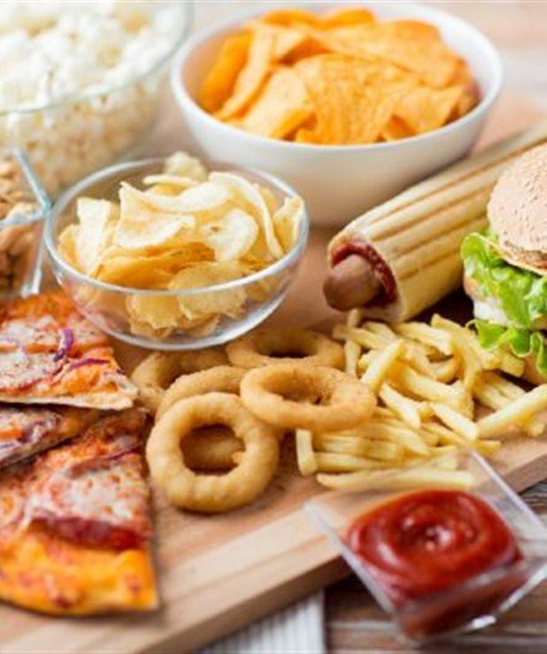 """Έρευνα: Το """"εύκολο φαγητό"""" πρώτο στις προτιμήσεις!"""