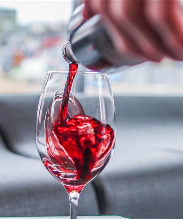 Δεν θες να πας γυμναστήριο; Πιες ένα ποτήρι κόκκινο κρασί
