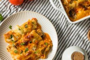 Κανελόνια με σπανάκι και τρία τυριά