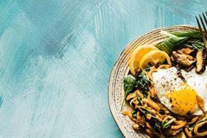 Οι 10 υγιεινές τροφές που σας βοηθούν να κάψετε το λίπος