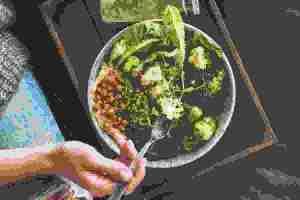 Πλάνο διατροφής επανεκκίνησης για μία εβδομάδα: Η αποτοξίνωση από επεξεργασμένες τροφές ξεκινά τώρα - Shape.gr