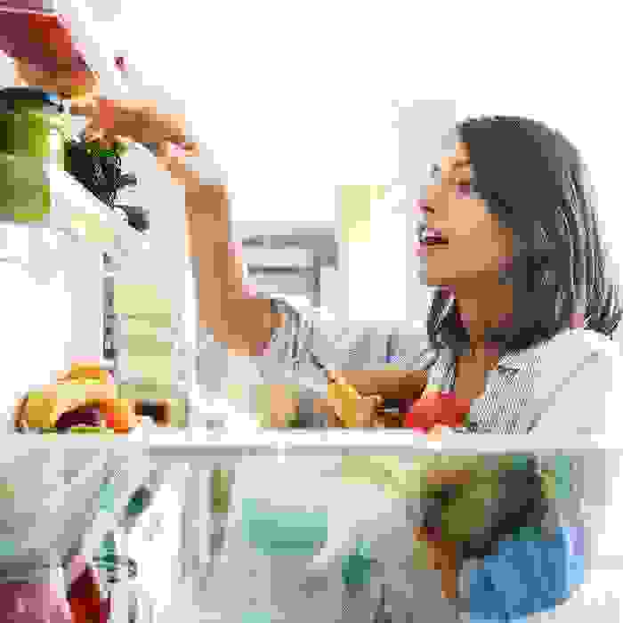 3 πράγματα που έχει πάντα στο ψυγείο της μία διατροφολόγος (ρωτήσαμε 10!) - Shape.gr