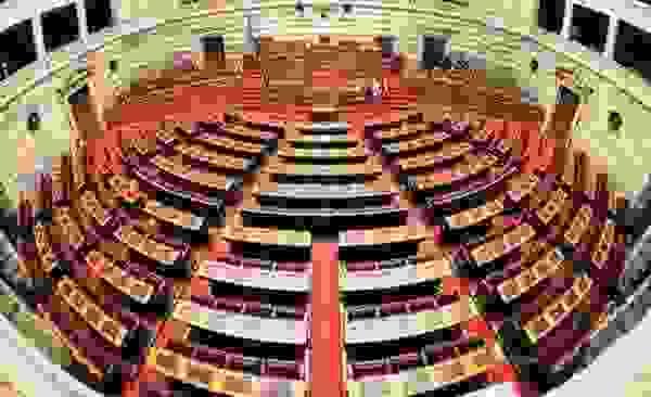 Κατατέθηκε στη Βουλή το σχέδιο νόμου για την ψήφο των Αποδήμων