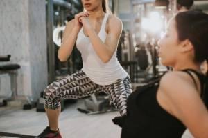 Αερόβια στο σπίτι: Αυτό το 10λεπτο workout είναι η δυσκολότερη αερόβια προπόνηση που θα κάνεις ποτέ - Shape.gr