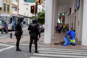 Πτώματα και φέρετρα παρατημένα στους δρόμους στο Εκουαδόρ – Εφιαλτικές εικόνες