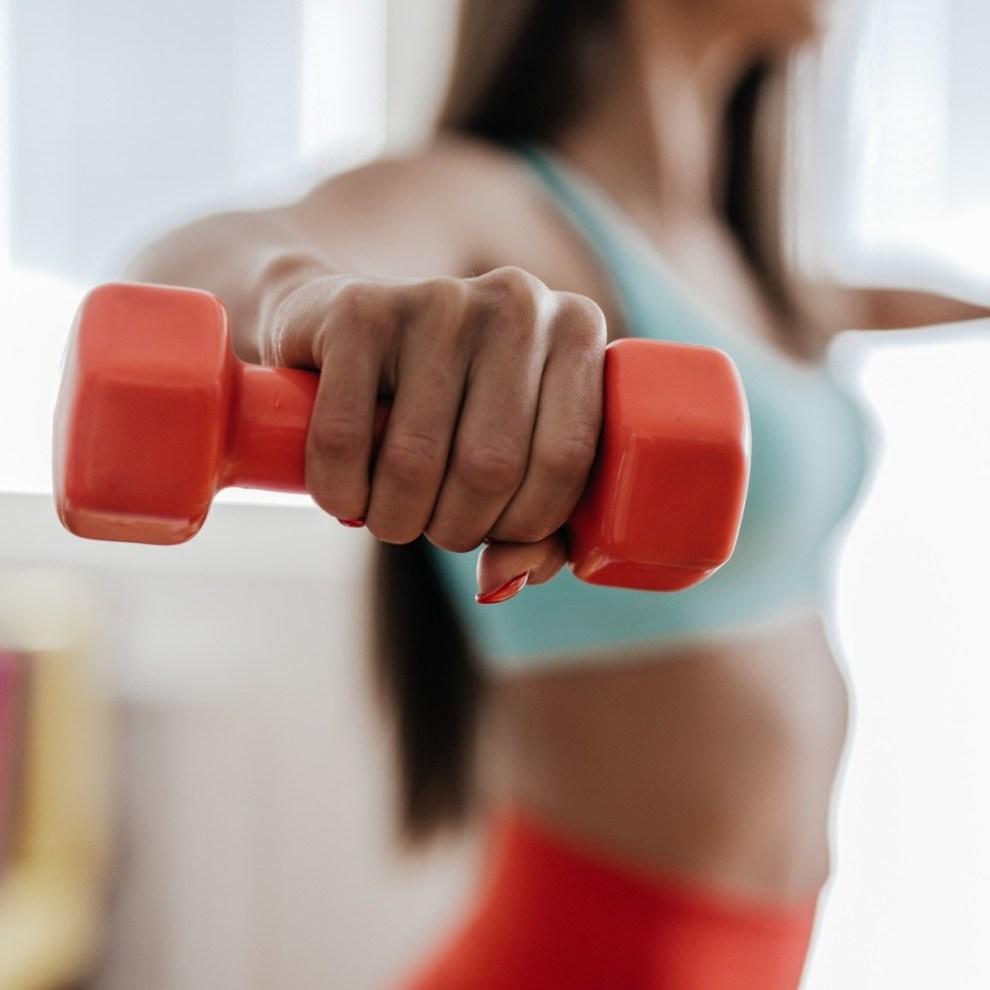 5 ασκήσεις για τα μπράτσα από την Ελένη Πετρουλάκη (χάσε λίπος, σύσφιξε, τόνωσε το πιο δύσκολο σημείο του σώματος) - Shape.gr