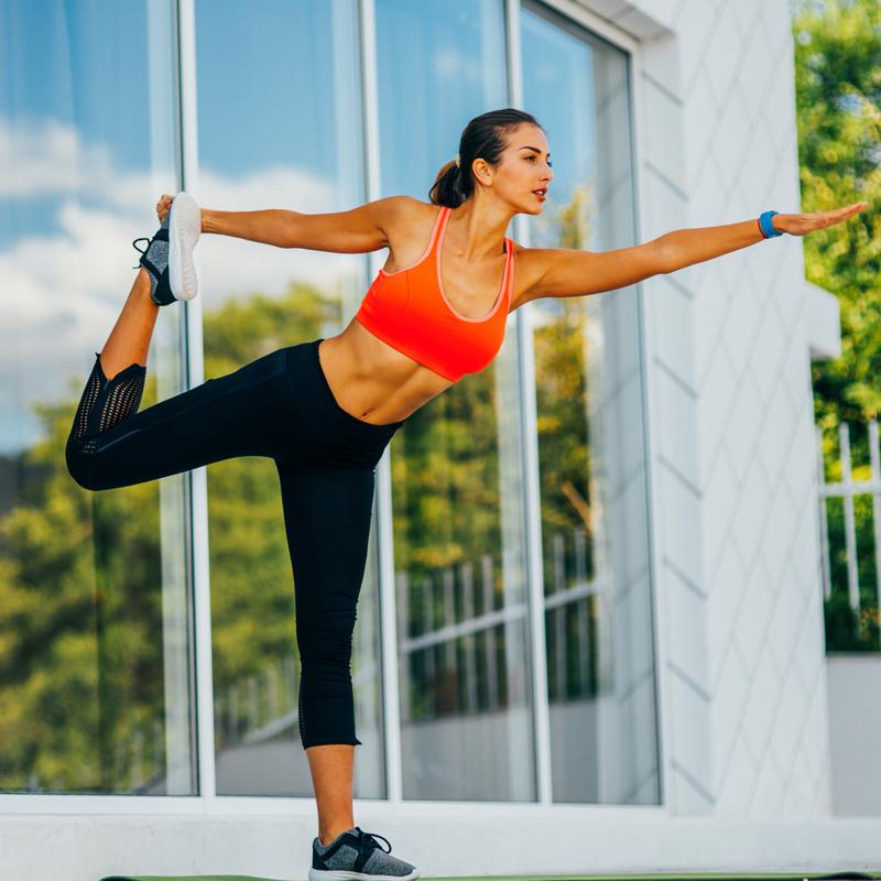 Ασκήσεις σε 10 λεπτά: Το ιδανικό πρόγραμμα για γλουτούς που θα κάνεις παντού - Shape.gr