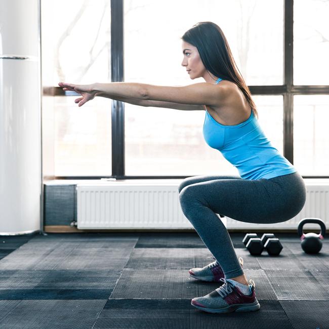 Πώς να κάνω squat (ξέρεις ότι το έκανες λάθος μέχρι τώρα;)