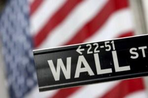 Wall Street: Σημαντικές απώλειες υπό τον φόβο της ύφεσης λόγω κορονοϊού